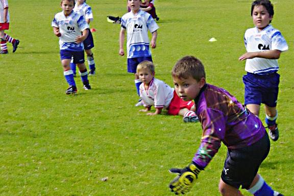 Hochspannung beim Kinder-Fussball